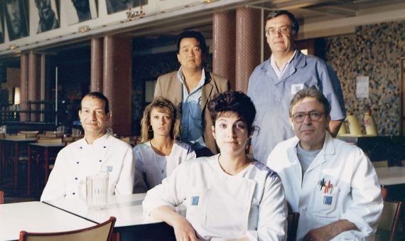 les-nouveaux-commanditaires-staff-of-the-maret-university-restaurant-(with-artist-yan-pei-ming)-dijon-(fr)-1992